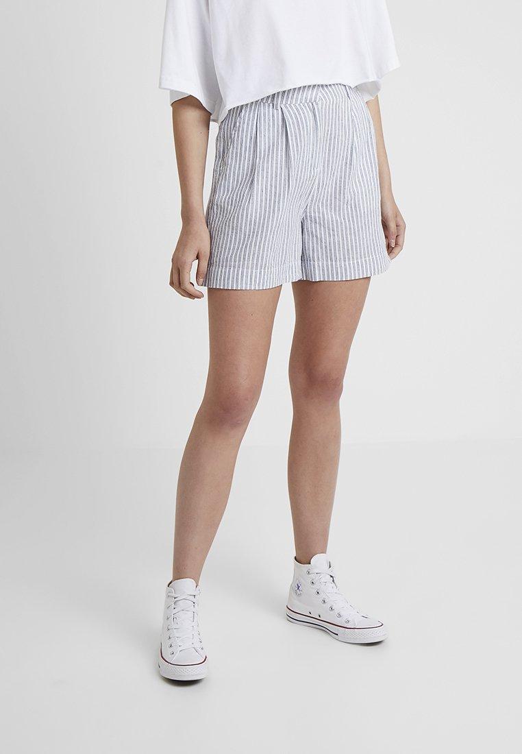 YAS Tall - YASCOMO - Shorts - white
