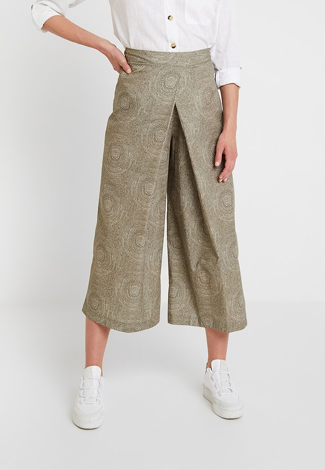 WIDE LEG CROPPED TROUSERS - Stoffhose - mink