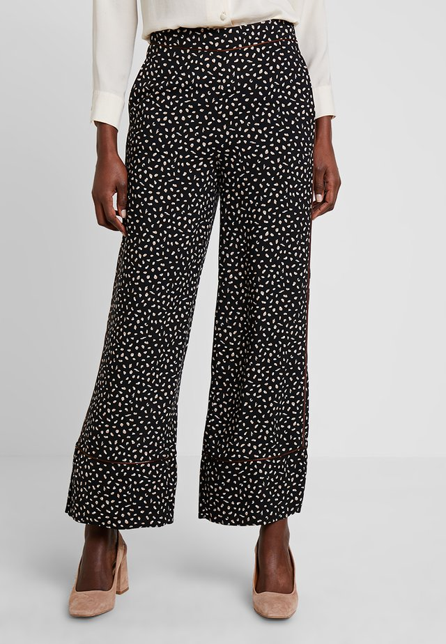 PIPING DETAILED TROUSERS - Trousers - black