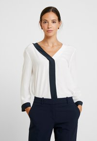 Yargici - CONTRAST DETAILED SHIRT - Bluzka - off white - 0
