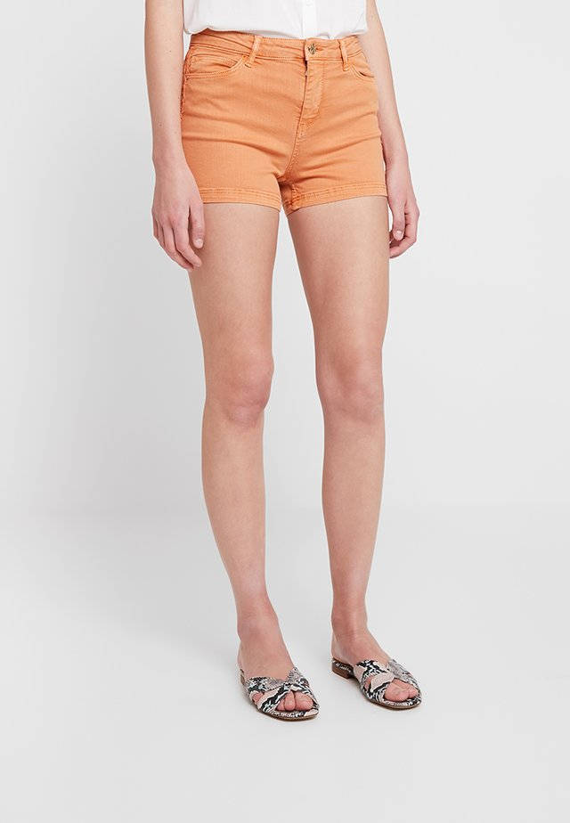 SIDE STITCH DETAILED - Shorts - salmon