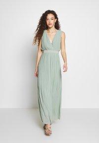 YAS Petite - YASTIANA DRESS - Galajurk - frosty green - 1
