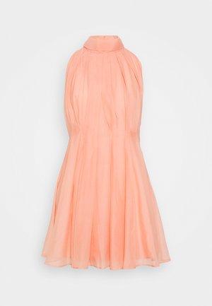 YASLONDON HALTERNECK DRESS SHOW  - Koktejlové šaty/ šaty na párty - cantaloupe