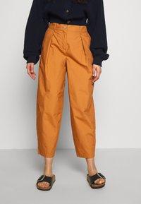 YAS Petite - YASBIRCH CROPPED PANT - Trousers - hazel - 0