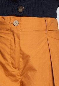 YAS Petite - YASBIRCH CROPPED PANT - Trousers - hazel - 3