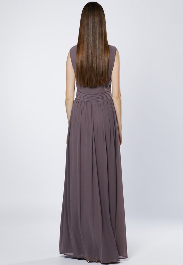 Young Couture by Barbara Schwarzer - LANG - Ballkleid - brown