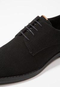 YOURTURN - Elegantní šněrovací boty - black - 5
