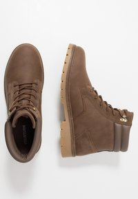 YOURTURN - Botines con cordones - brown - 1