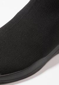 YOURTURN - Sneakersy wysokie - black - 5