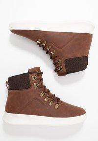 YOURTURN - Sneakers hoog - cognac - 1