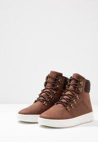 YOURTURN - Sneakers hoog - cognac - 2
