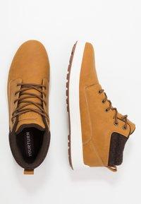 YOURTURN - Sneakersy wysokie - camel - 1
