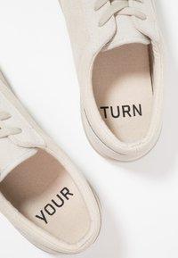 YOURTURN - Sneakersy niskie - sand - 5