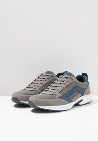 YOURTURN - Sneaker low - grey/dark blue - 2