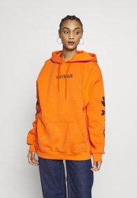 YOURTURN - Hoodie - orange - 4