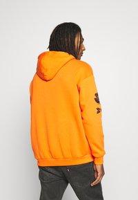 YOURTURN - Hoodie - orange - 2