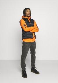 YOURTURN - Hoodie - orange - 1