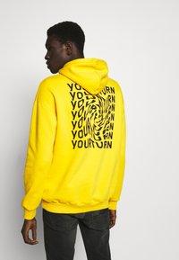 YOURTURN - UNISEX - Mikina - yellow - 2