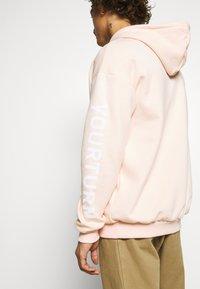 YOURTURN - Hoodie - pink - 6