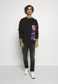 YOURTURN - Sweatshirt - black - 1