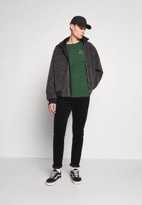 YOURTURN - Print T-shirt - green - 1