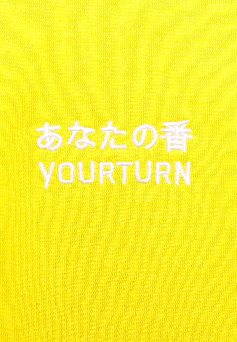 YOURTURN T-shirts med print - yellow