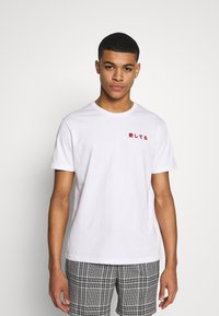 YOURTURN - T-shirts med print - white - 2