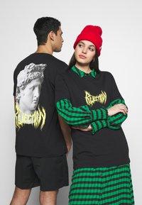 YOURTURN - T-shirt con stampa - black - 0