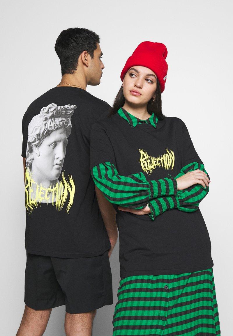 YOURTURN - T-shirt con stampa - black