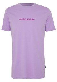 YOURTURN - Print T-shirt - lilac - 1
