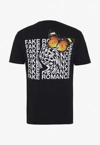 YOURTURN - Print T-shirt - black - 1