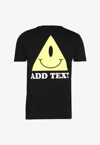 YOURTURN - UNISEX EYE TEE - Print T-shirt - black - 1