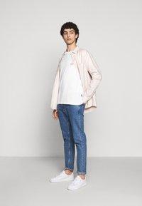 YOURTURN - Print T-shirt - white - 2