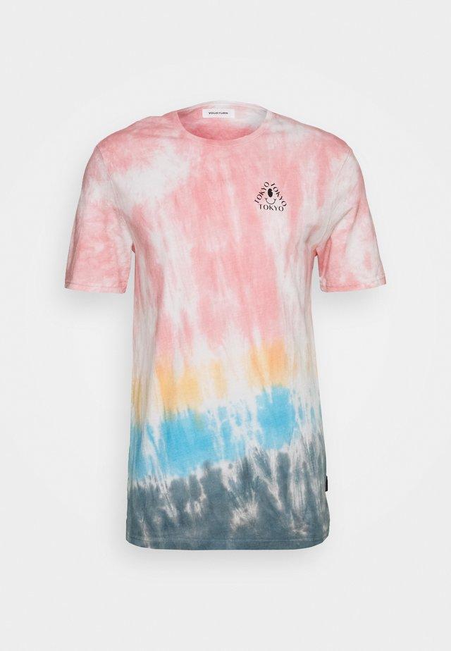 T-Shirt print - multi-coloured