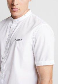 YOURTURN - BORED SHIRT - Skjorta - white - 4