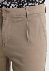 YOURTURN - Pantalones chinos - tan - 3