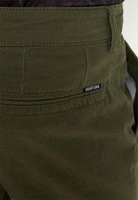 YOURTURN - Chino kalhoty - olive - 3