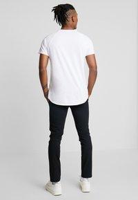 YOURTURN - Chino kalhoty - black - 3