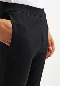 YOURTURN - Pantaloni sportivi - black - 4