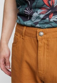 YOURTURN - Shorts - tan - 3