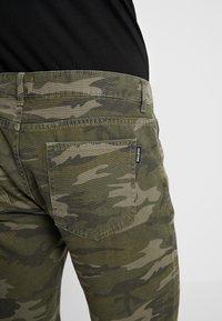 YOURTURN - Shorts - oliv - 5