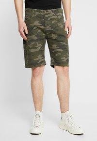 YOURTURN - Shorts - oliv - 0