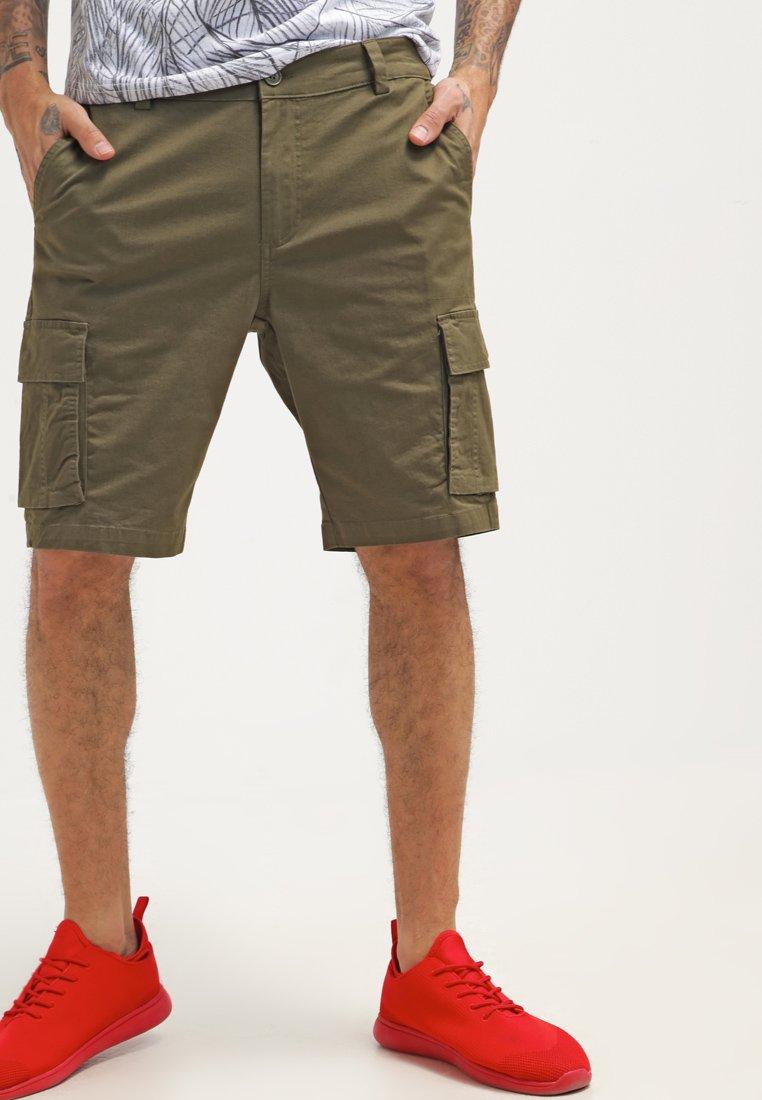 YOURTURN - Shorts - oliv