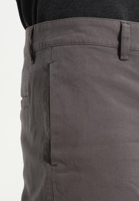 YOURTURN - Shorts - charcoal - 3