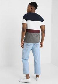 YOURTURN - Camiseta estampada - dark gray/dark blue - 2
