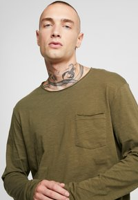 YOURTURN - Long sleeved top - khaki - 4