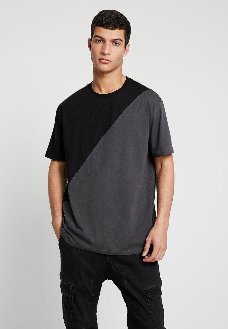 YOURTURN - Print T-shirt - grey/black
