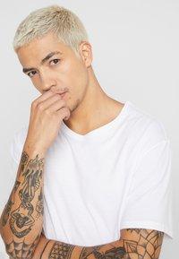 YOURTURN - T-shirt basic - white - 4