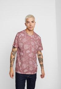 YOURTURN - T-shirt med print - bordeaux - 2