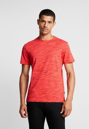 Camiseta básica - mottled red